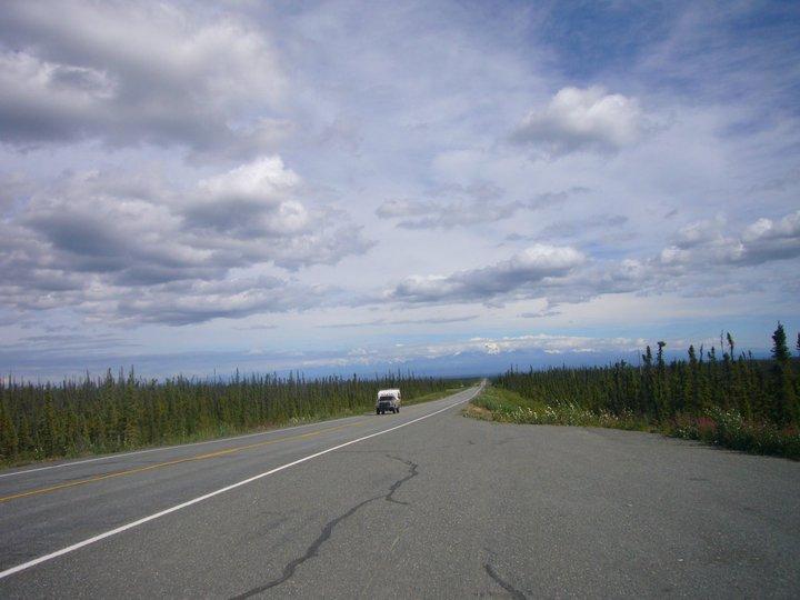アンカレッジからキーナイ半島まで車を走らせる。日本の日常から心が解放されていく。