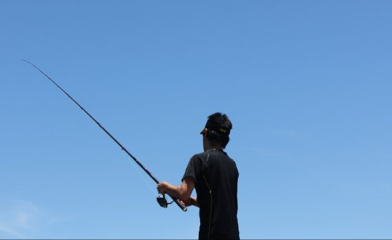 初心者でもできる、漁港の釣り方ベスト3をお伝えします!